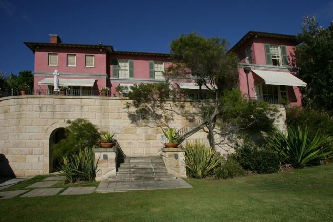 Coolong House